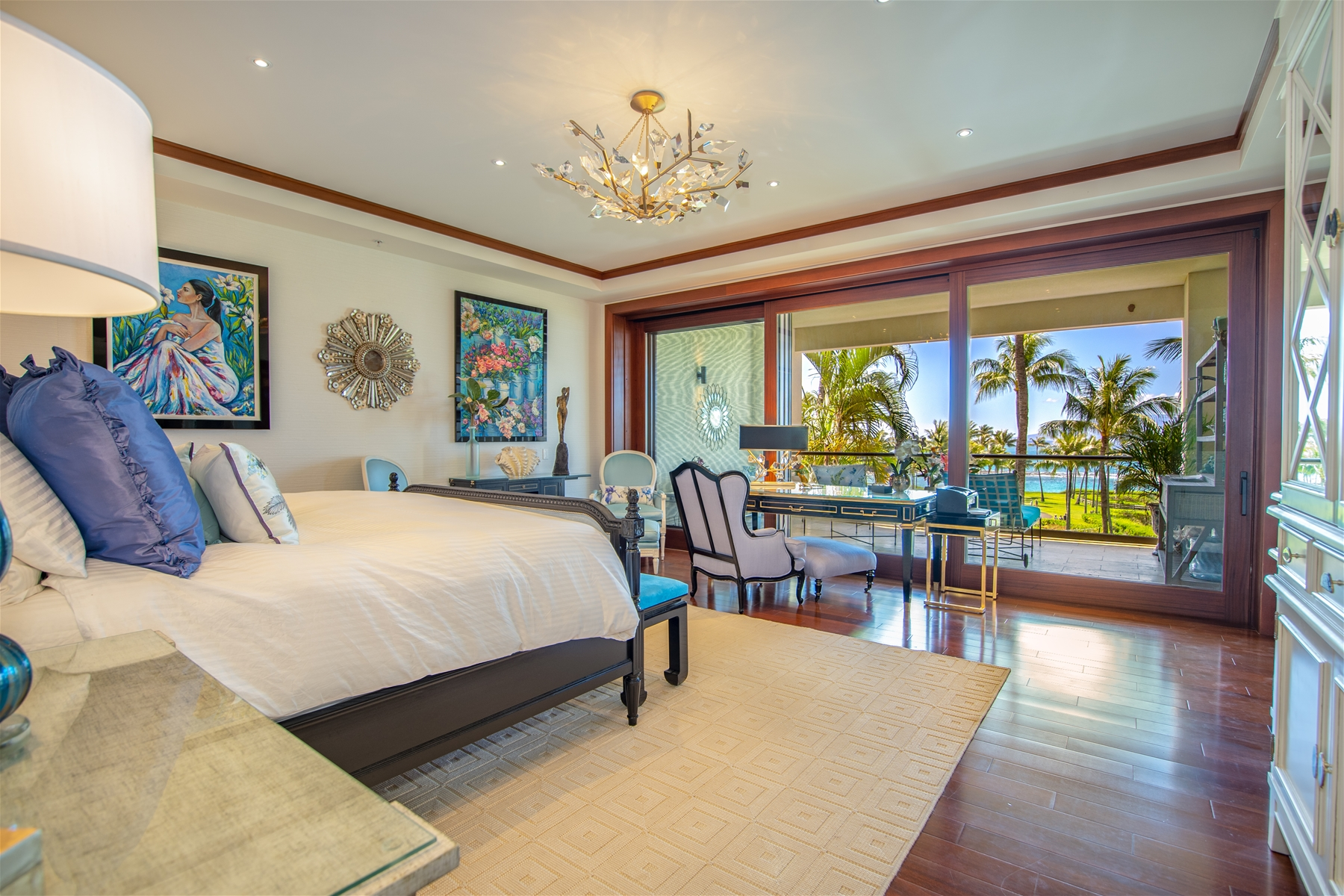 masterbedroom with view of lanai